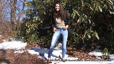 Jasmine St James: Jasmine Really Needs To Piss - entended (WMV & MP4)