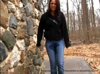 Nichole & Kelsey: Pee in the Park (MP4)