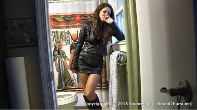Jasmine St James: Waiting in the Bathroom (MP4)